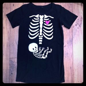 Halloween maternity skeleton shirt size small